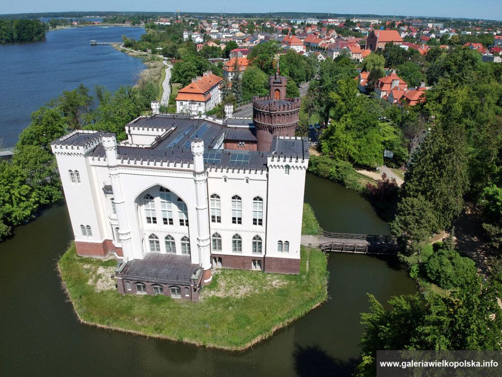Najciekawsze rezydencje na południe od Poznania