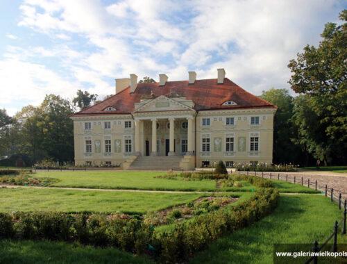 Elewacja frontowa pałacu w Lewkowie