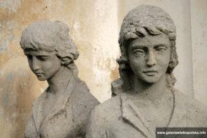 Rzeźby parkowe