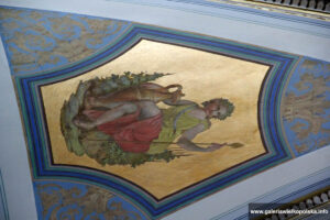 Wnętrze pałacu w Rokosowie