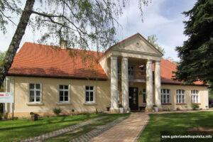 Dwór w Sośnicy