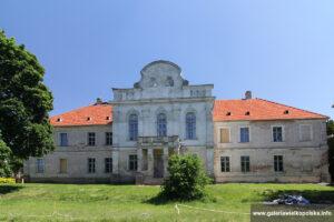 Pałac w Pniewach