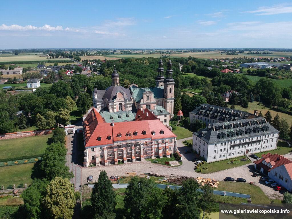 Klasztor w Lądzie nad Wartą