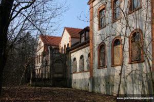 Dwór w Dobczynie