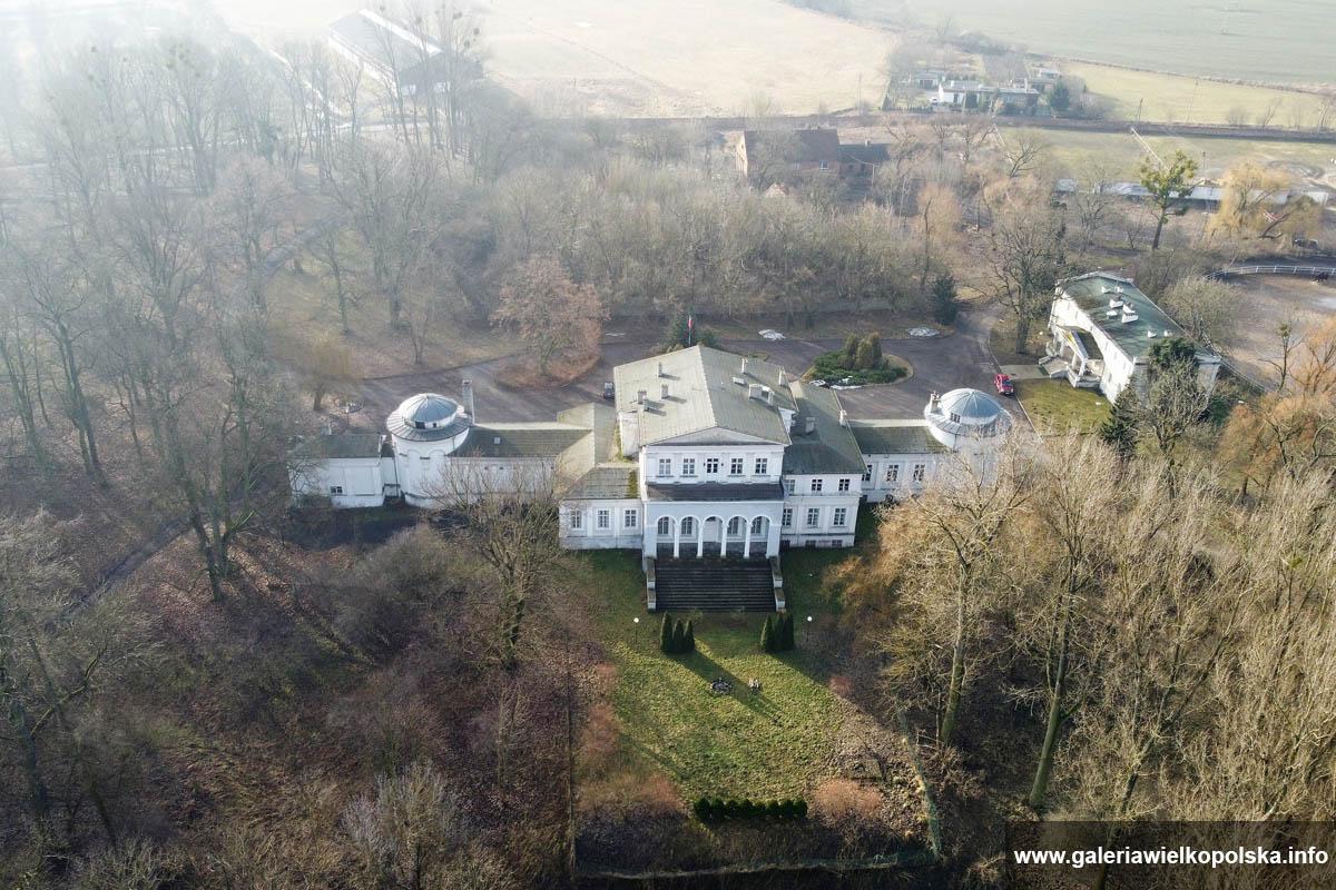 Pałac w Iwnie