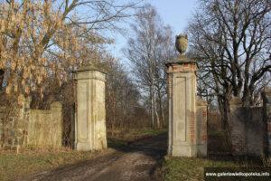 Węgierskie- ozdobna brama