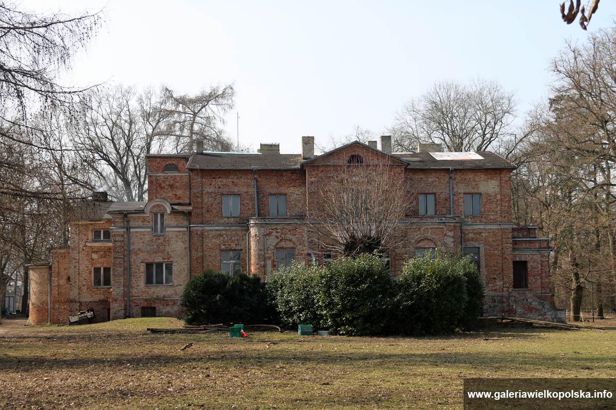 Pałac w Kadzewie