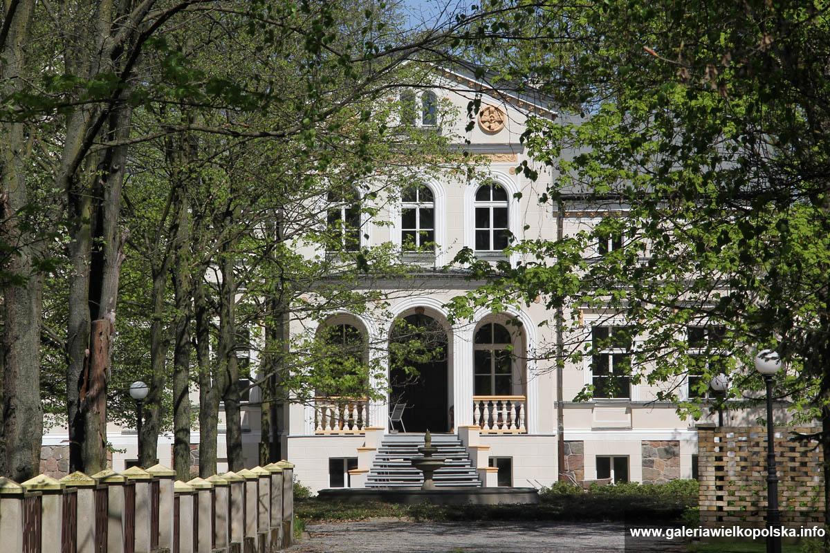 Pałac w Dobramyśli