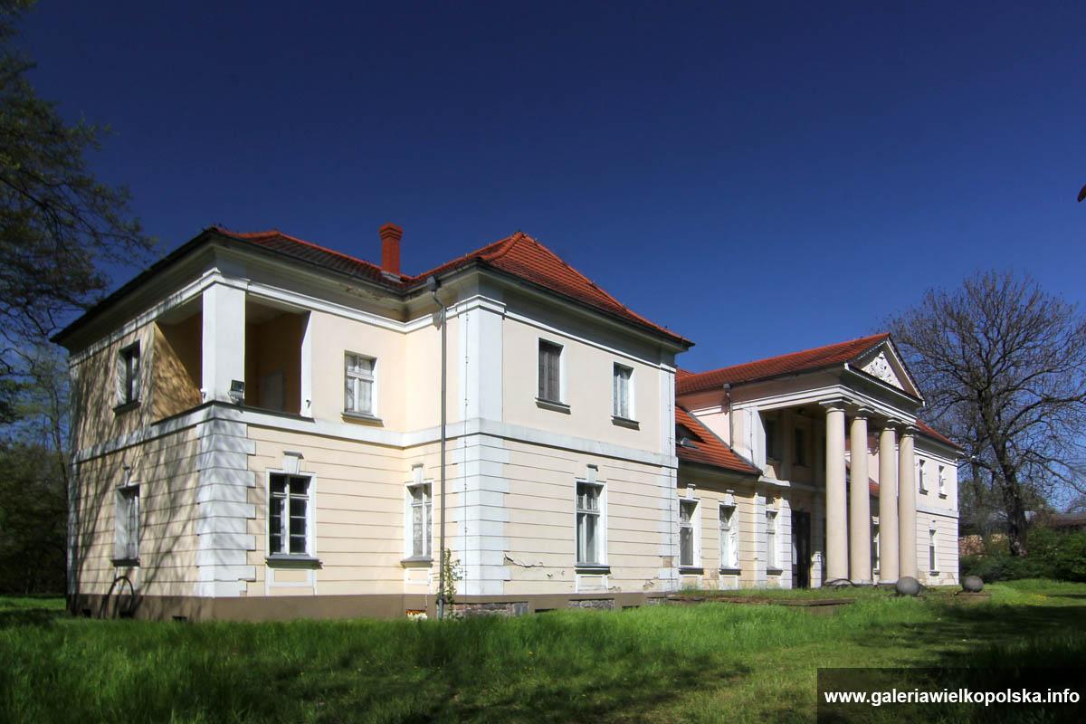 Pałac w Drobninie