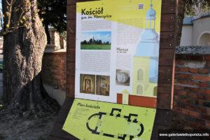 Tablica informacyjna w Sławsku
