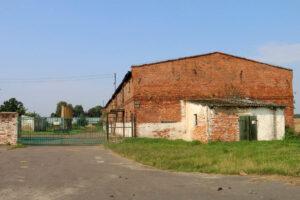 Dawny folwark w Uchorowie