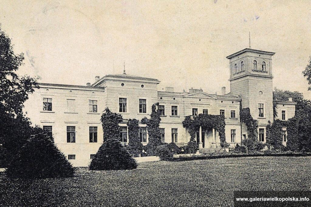 Nieistniejący już pałac Chłapowskich w Bonikowie (fotografia sprzed rozbudowy)