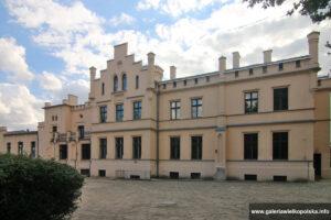 Pałac w Kaźmierzu