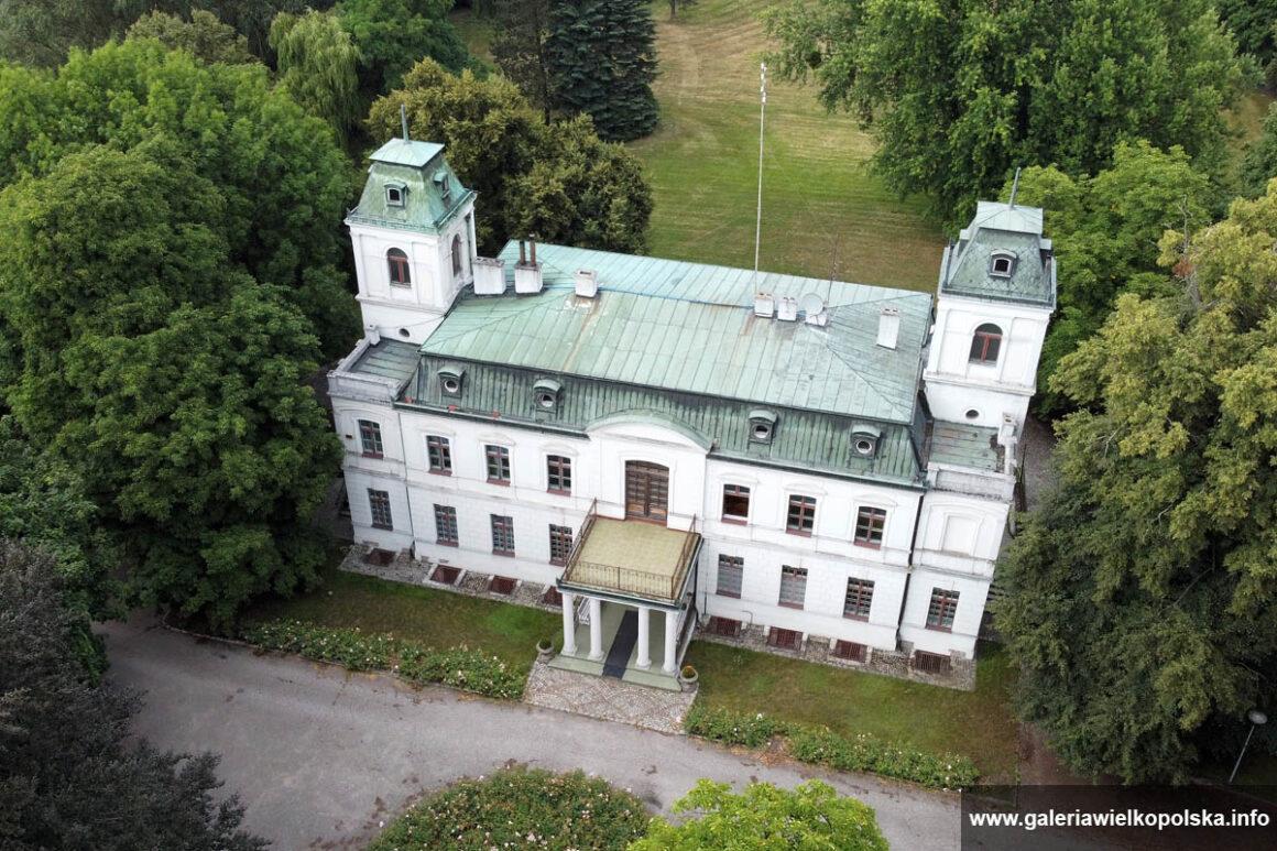 pałac w Dąbkach
