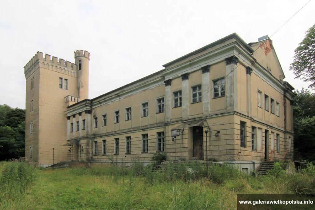Pałac w Parzęczewie