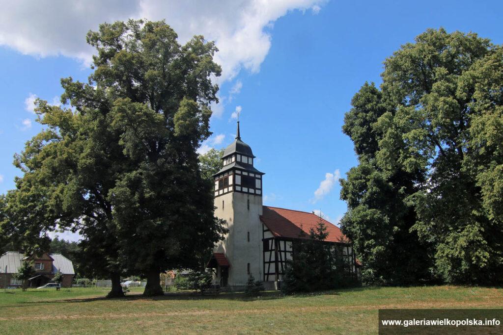 Kościół w Piotrowie